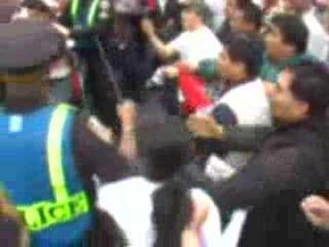 Embedded thumbnail for Police Terrorism Mayday NYC 2007 Immigration Protest